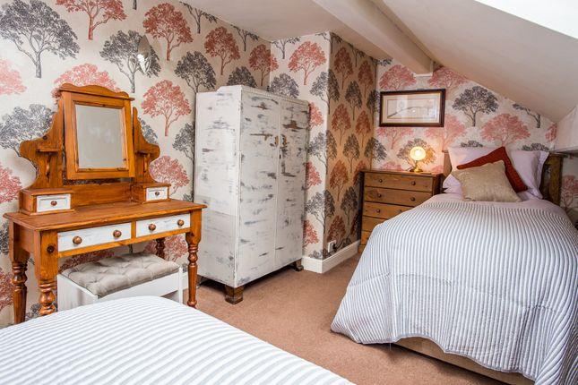 Bedroom 6 of Thirstin Road, Honley, Holmfirth HD9