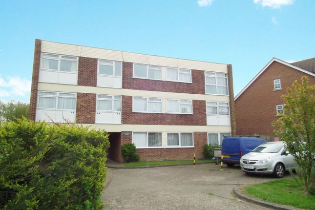 Thumbnail Flat to rent in Tenterfield, Welwyn Garden City