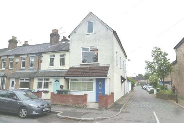 Thumbnail Flat to rent in Old Highway, Hoddesdon
