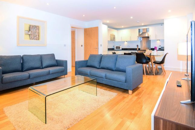 Thumbnail Flat to rent in Indescon Square, London