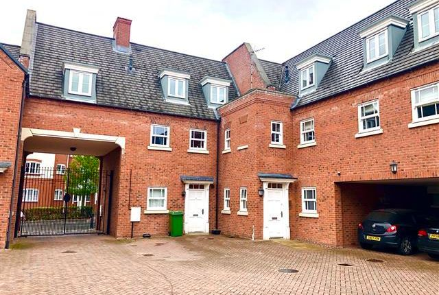 2 bed flat to rent in Dartmouth Road, Cannock WS11