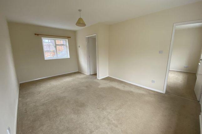 Thumbnail Flat to rent in Main Road, Tiddington, Stratford-Upon-Avon, Warwickshire