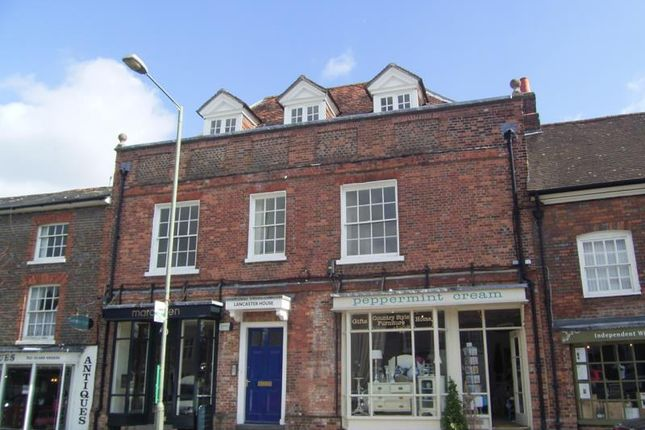 Flat to rent in High Street, Hungerford, 0Nb.