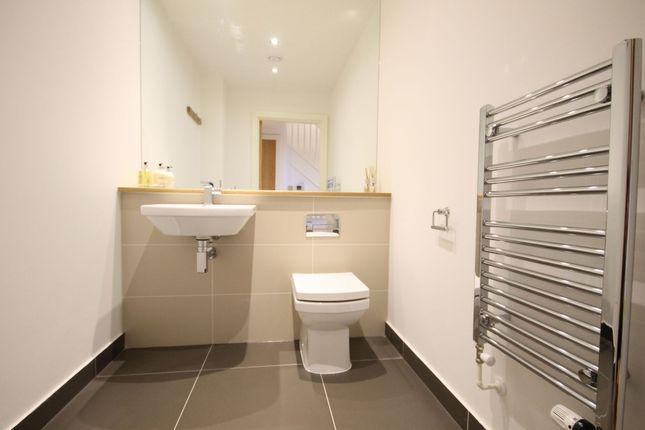 Downstrairs Bathroom