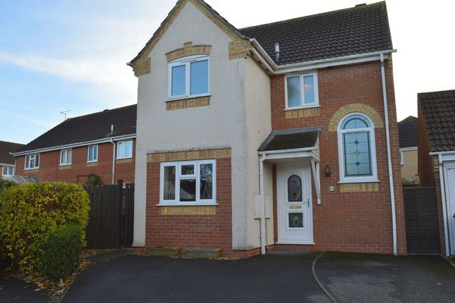 3 bed detached house for sale in Horsefields, Gillingham