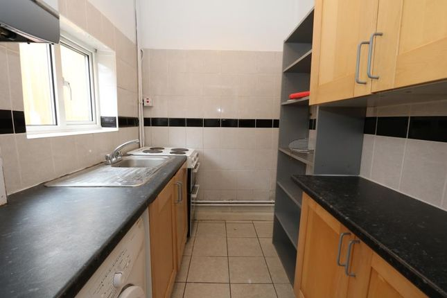 Thumbnail Property to rent in Cranes Park Avenue, Surbiton