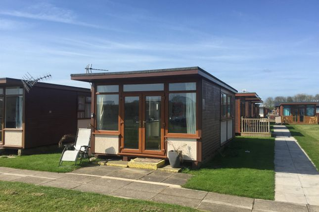 Front Photo of Links Avenue, Mablethorpe LN12