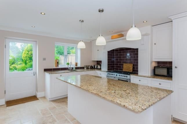 Thumbnail Bungalow for sale in Kingswell Ride, Cuffley, Potters Bar, Hertfordshire