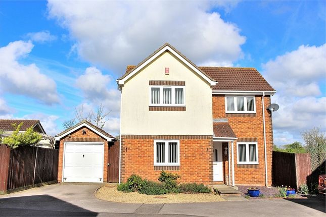 Thumbnail Detached house for sale in The Mead, Dunmow