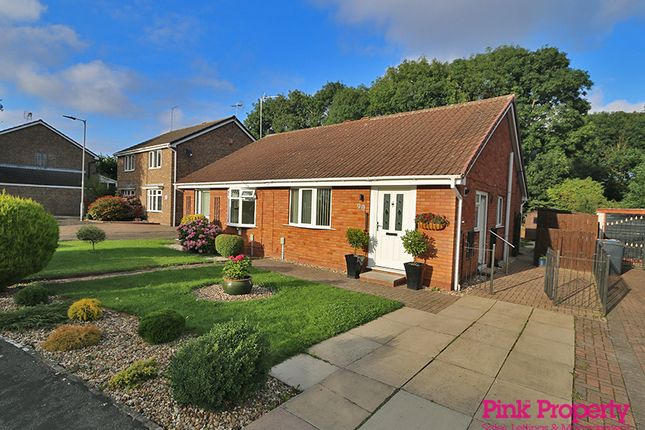 2 bed bungalow to rent in Welwyn Park Drive, Hull HU6