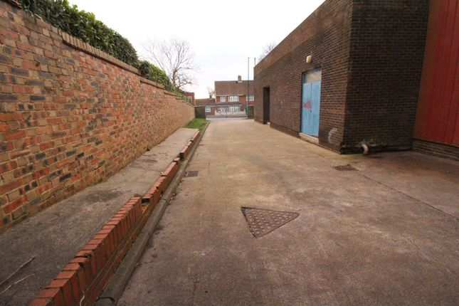 Thumbnail Parking/garage to rent in Business Centre, Whickham View, Benwell