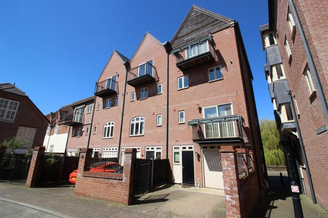 Thumbnail Property to rent in Quayside, Norwich