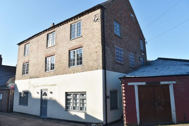 Thumbnail Flat for sale in The Warehouse, Court Terrace, Ripon