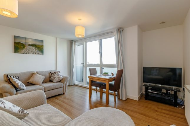 Thumbnail Flat for sale in Flat 51, Apollo Court, London, London