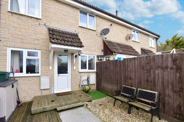2 bed flat for sale in Milton Close, Yeovil