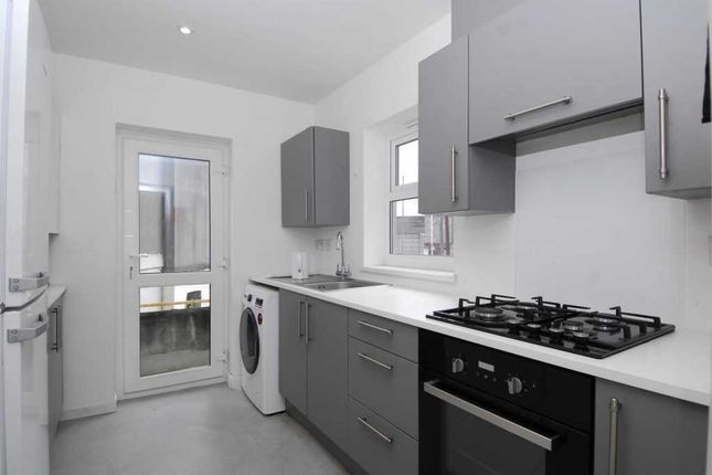 Main Picture of Clifton Place, Plymouth PL4