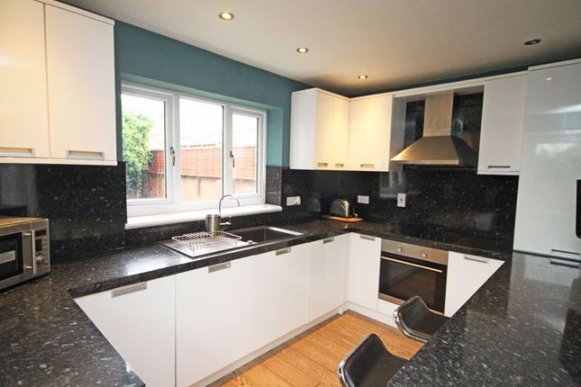 2 bed flat to rent in Isaacs Hill, Cleethorpes DN35