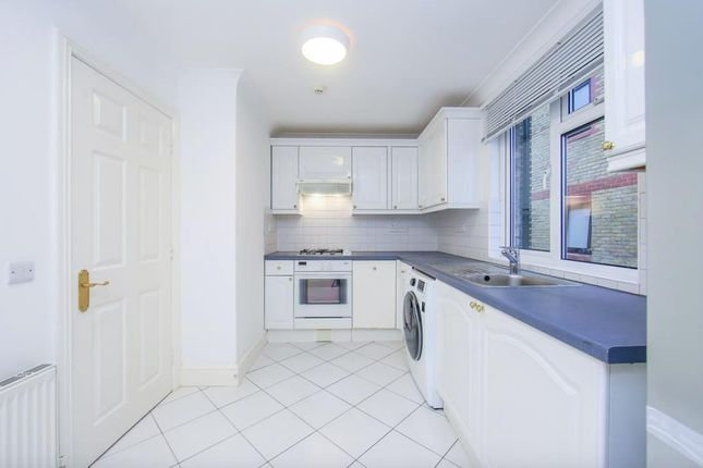 Thumbnail Flat to rent in Woodville Road, London
