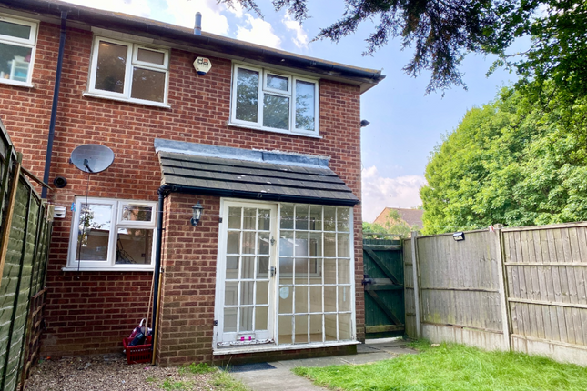 1 bed town house for sale in Longhurst Close, Rushey Mead, Leicester. LE4