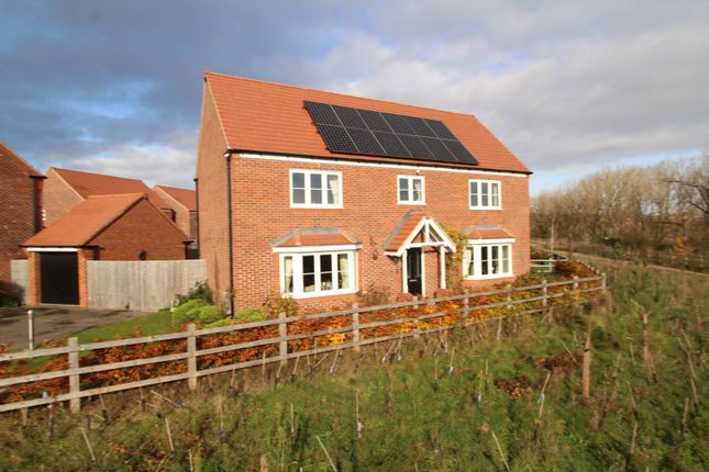 Front of Falling Sands Close, Stour Valley Kidderminster DY11