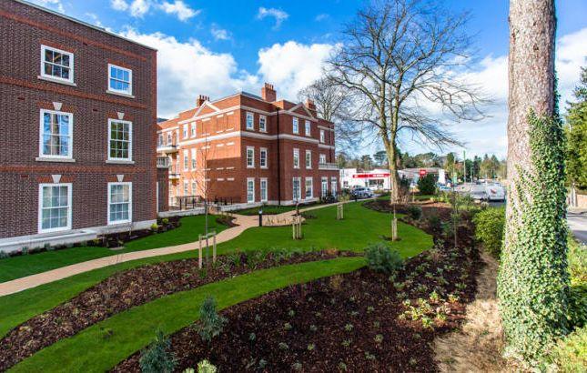 Thumbnail Flat to rent in Luton Road, Luton