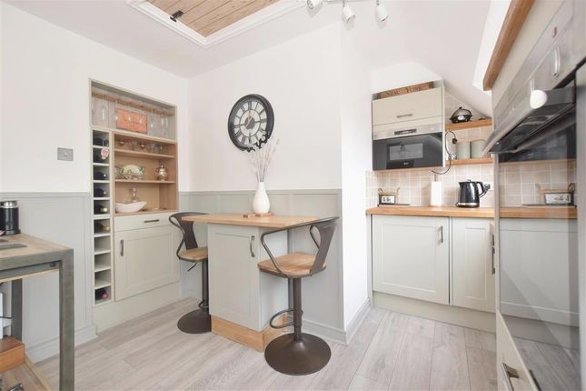 1 bed flat for sale in Saxon Meadow, Tangmere, Chichester, West Sussex PO20