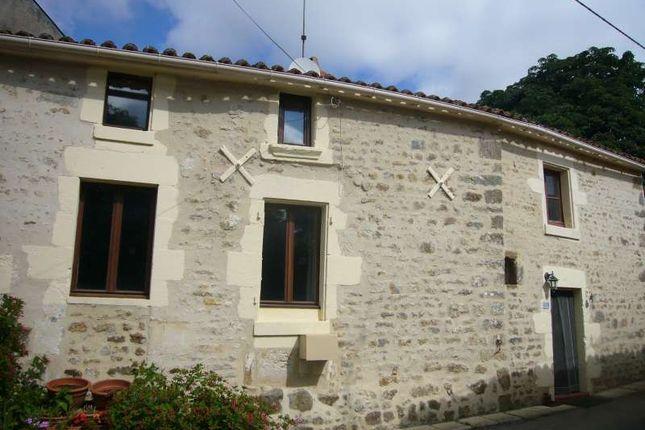 5 bed detached house for sale in 85120, Fontenay-Le-Comte, Vendée, Loire, France