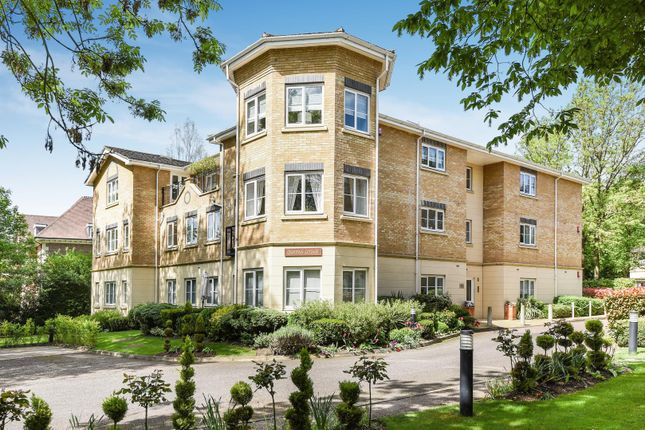 Thumbnail Flat to rent in Queens Lodge, Uxbridge Road, Stanmore