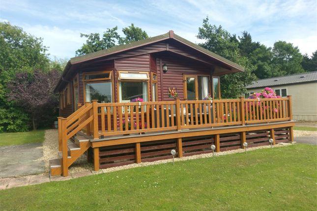 Thumbnail Mobile/park home for sale in Lakeside, Vinnetrow Road, Runcton, Chichester