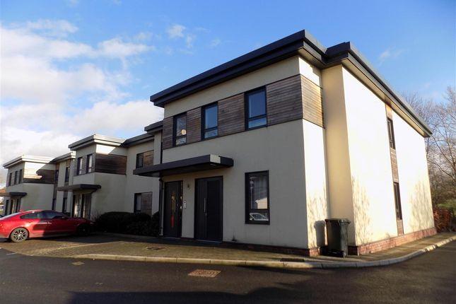 Thumbnail Flat to rent in Flat 12, Fairway Apartments, Bristol