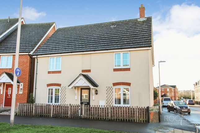 Thumbnail Detached house for sale in Urquhart Road, Thatcham