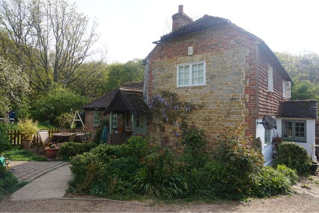 Thumbnail Detached house to rent in Fittleworth Road, Billingshurst