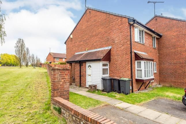 Thumbnail Terraced house for sale in Sharples Green, Luton, Bedfordshire
