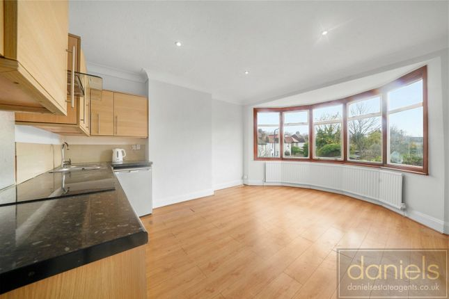 2 bed flat to rent in Furness Road, Kensal Green, London NW10