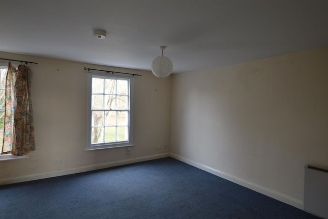 Living Room: of Belmont Road, Exeter EX1