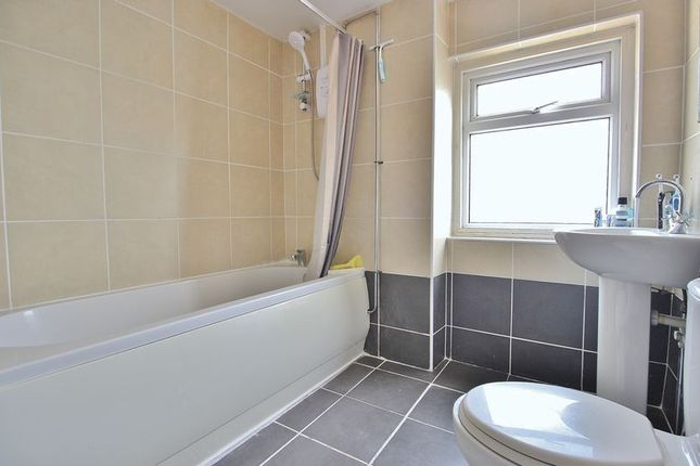 Bathroom of Highland Road, Southsea PO4