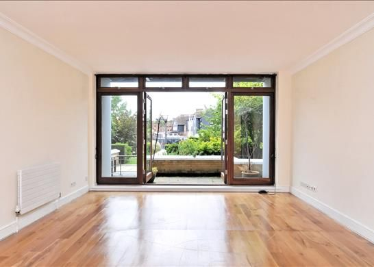 Thumbnail Property to rent in Jacana Court, St Katharine's Dock, London