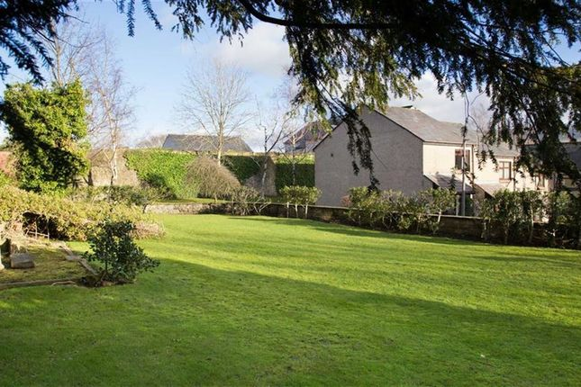 Thumbnail Property for sale in Lowergate, Clitheroe, Lancashire