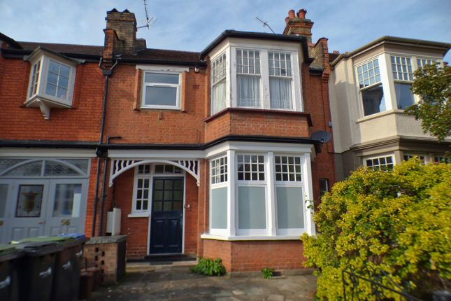 Flat to rent in Harlech Road, Southgate, London