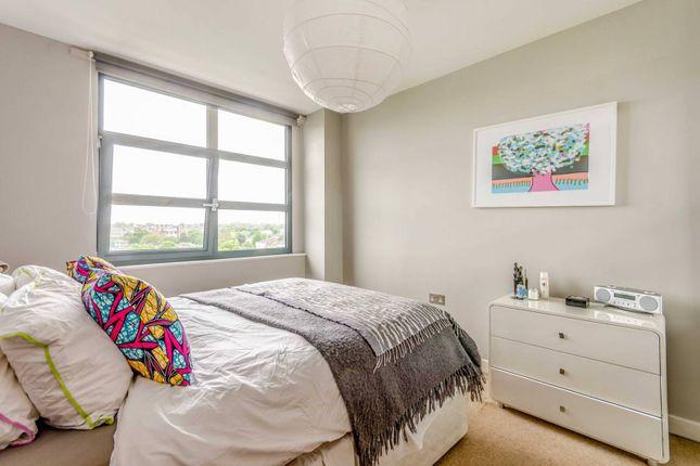 Thumbnail Flat to rent in Southgate Road, De Beauvoir Town