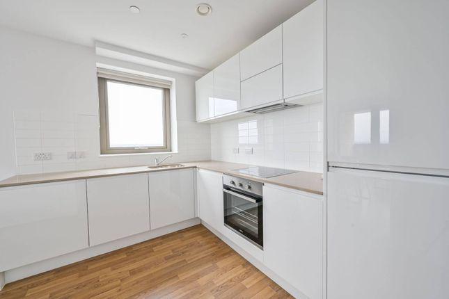 1 bed flat to rent in Astor Apartments, Apex Gardens, Tottenham, London N15