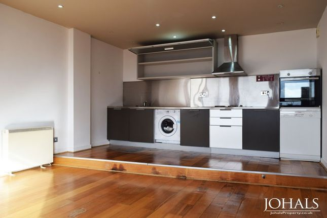 Thumbnail Flat for sale in Metropolitan Apartments, 20 Lee Circle, Leicester, Leicestershire