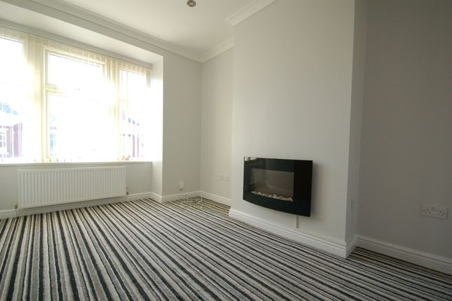 Thumbnail Flat to rent in Cornwall Avenue, Bispham, Blackpool