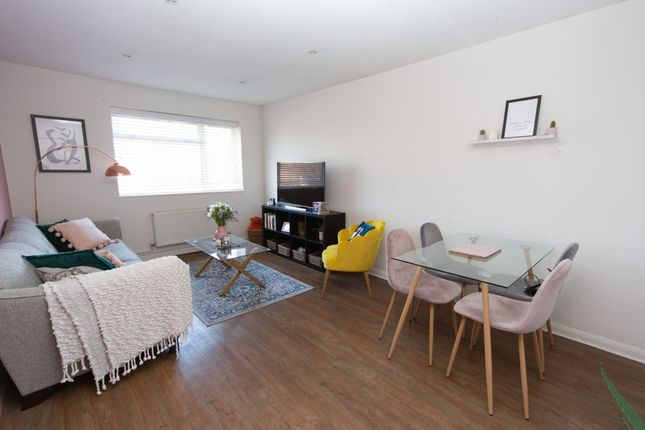 Thumbnail Flat for sale in Clarendon Road, Penylan, Cardiff