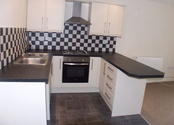 Thumbnail Flat to rent in Carmarthen Road, Swansea