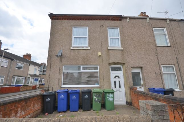 2 bed flat to rent in Thomas Street, Grimsby DN32