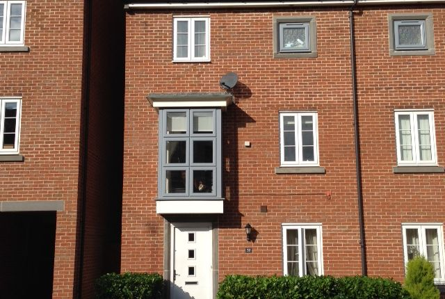 Thumbnail Town house to rent in Marnel Park, Ilsley Road, Basingstoke
