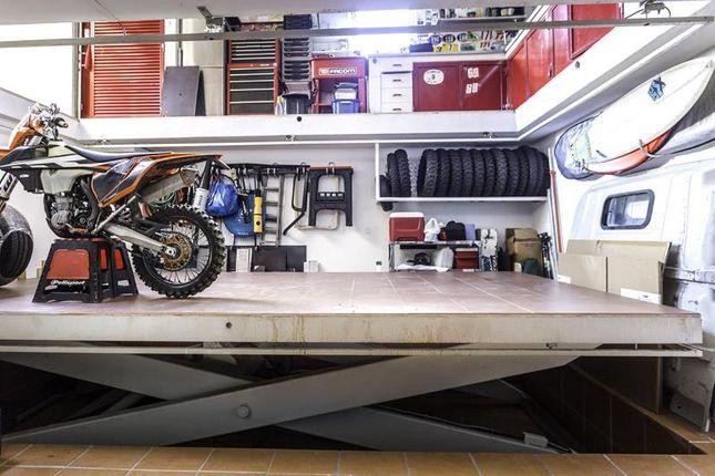 Garage of Alcabideche, Cascais, Portugal, 2645-103