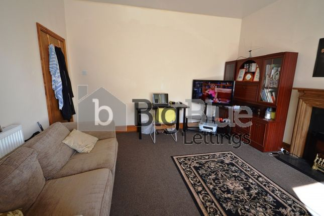 Thumbnail Terraced house to rent in 27 Manor Terrace, Hyde Park, Eight Bed, Leeds