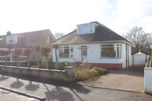 Thumbnail Bungalow to rent in Hillend Road, Clarkston G76,